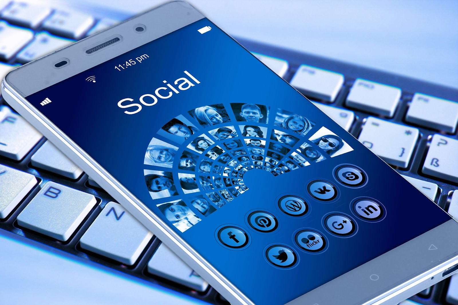 Top 5 Negative Effects of Social Networks on Students