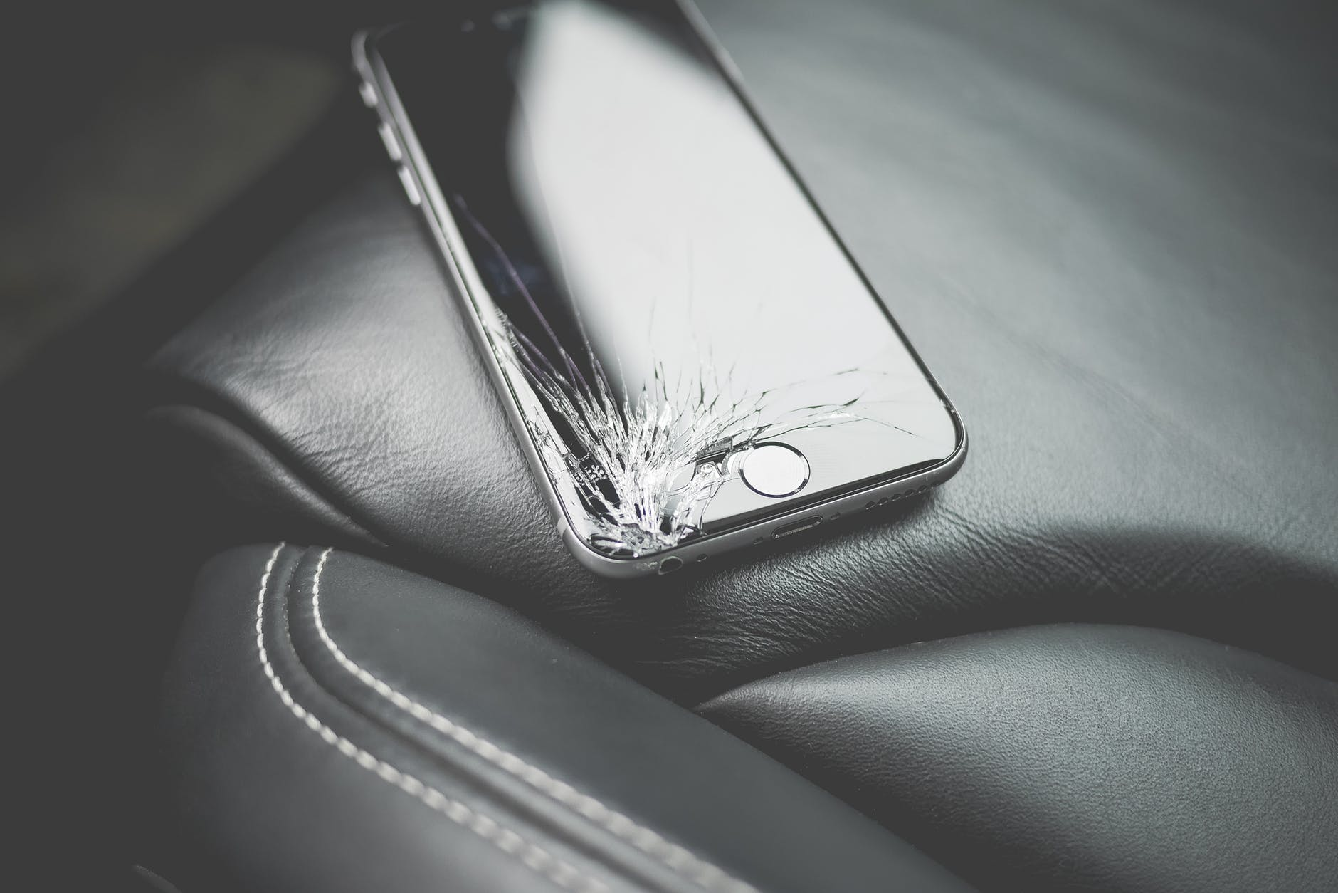 How Can You Get Your Broken Phone or Tech Accessories Repaired Online?